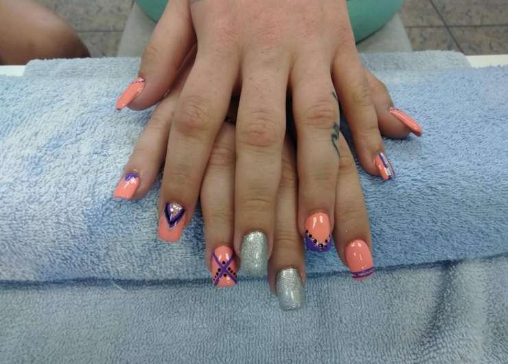 Manicuring / Nail Extensions